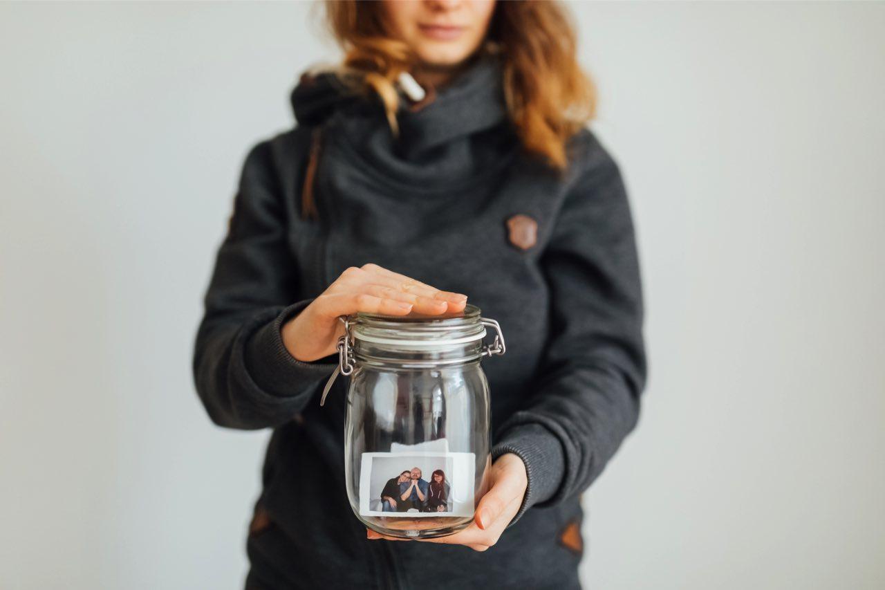 Karo mit Marmeladenglas